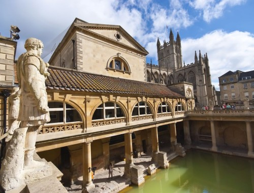 Roman baths such as the ones at Bath, UK, feature in the history of mud masks